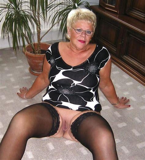 Mature Granny Naked Pics