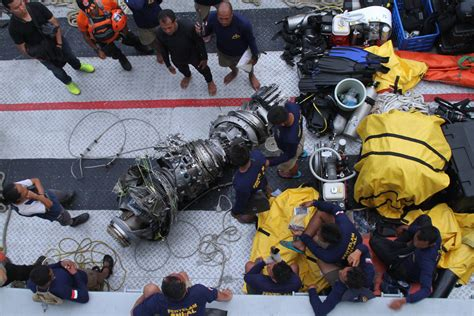 Divers Spot Main Wreckage Of Crashed Indonesian Lion Air