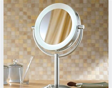 makeup mirror ring light on the hunt