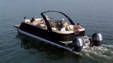 Bay Boat Twin Engine by 10 Foot Wide Twin Engine 600hp Pontoon Boats Pontoon Boat