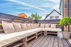 Salon Jardin Balcon : fabriquer salon de jardin en palette de bois 35 id es cr atives ~ Teatrodelosmanantiales.com Idées de Décoration