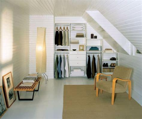dressing dans chambre 12m2 un dressing mansarde des idées créatives pour l 39 usage