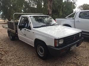 1989 Mitsubishi Triton Mf
