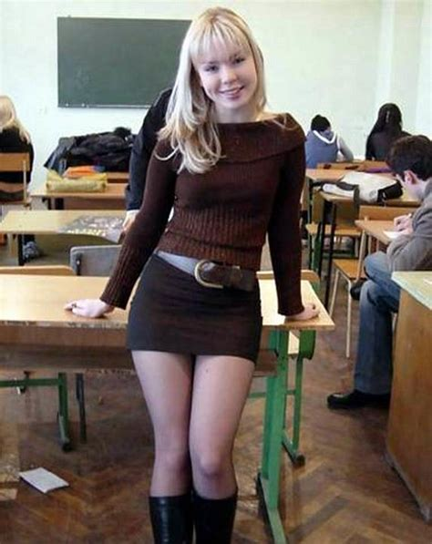 Candid Schoolgirl Upskirt In Class