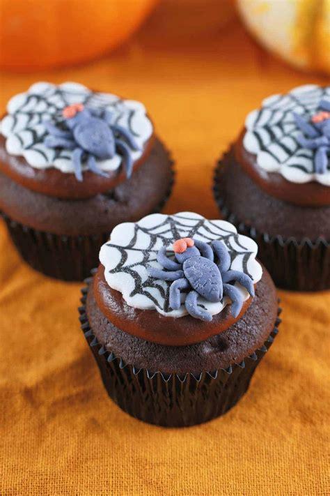 Fun Spooky Spider Web Halloween Cupcakes - Jessica Gavin