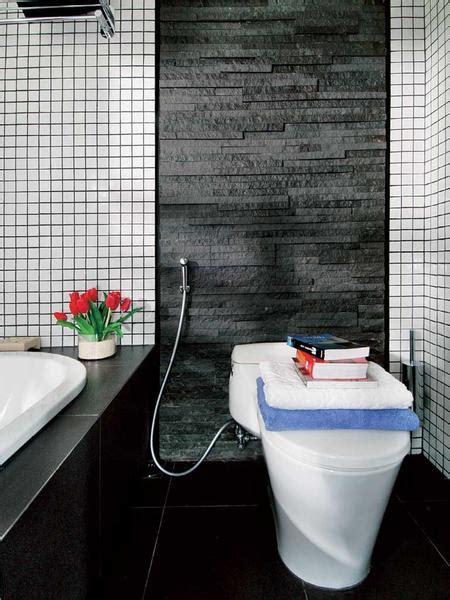model warna keramik kamar mandi rumah minimalis
