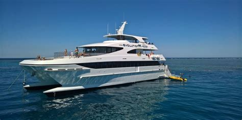 Boats Cairns by Reef Boat Trips Downunder Dive Cairns Everything Australia