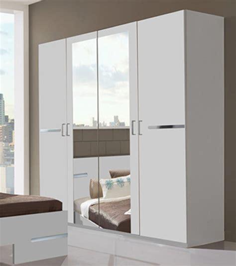 modeles armoires chambres coucher armoire 4 portes chambre à coucher blanc