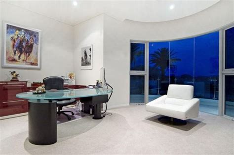 chic contemporary house  australias gold coast