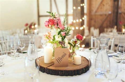 Blumen Hochzeit Dekorationsideenblumen Dekoration Fuer Gartenhochzeit by Deko Tisch Hochzeit Tischdeko Holz Runder Dekoration