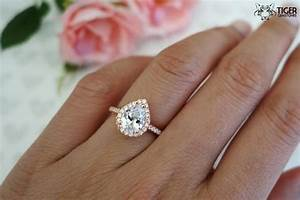 Rose gold pear engagement rings wedding promise for Wedding band for teardrop engagement ring