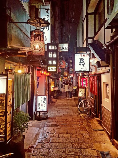 alleyway   shinsaibashi district osaka lovejapan