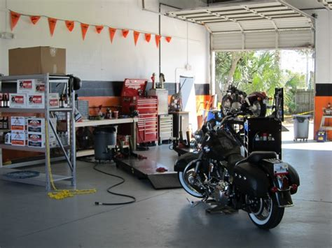 Harley Davidson Motorcycle Shop by R D Motorcycles Certified Master Technician Harley