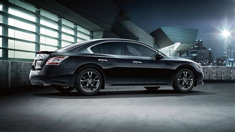 features  separate   nissan maxima