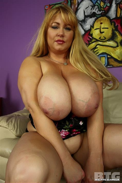 Huge Titted Bbw Sex Doll Samantha 38g Toying