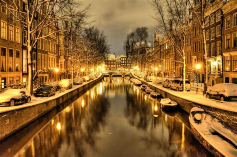 Snow In Amsterdam The Leidsegracht In Amsterdam By Snowy