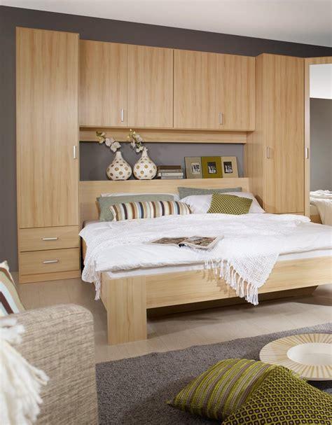 lit mural et canapa inspirations avec lit avec armoire