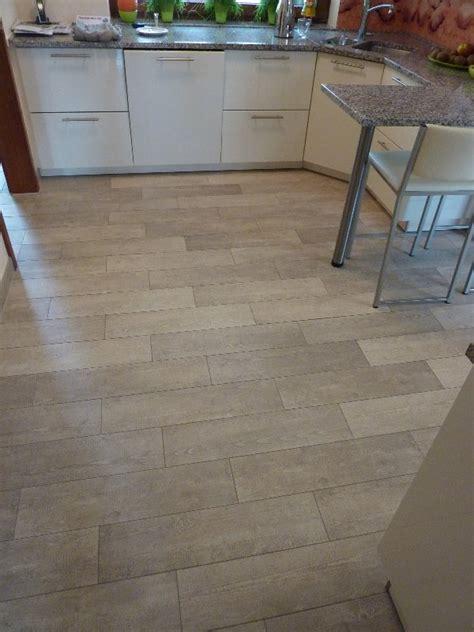 Fliesen Für Küchenboden by Gefliester K 252 Chenboden Mit Holzoptik In Kassel