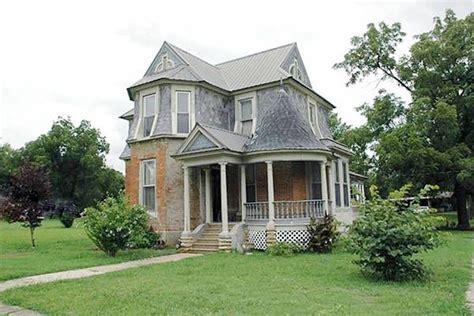 beautiful historic houses  sale   built