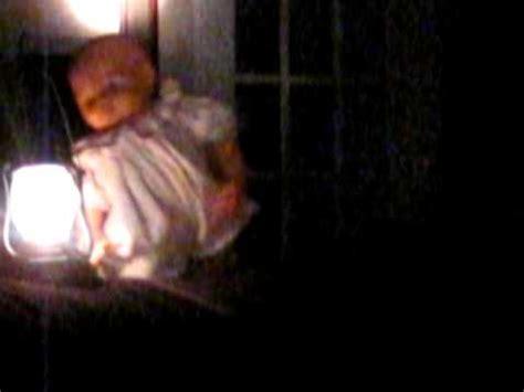 chambre qui fait peur poupée qui fait peur rire