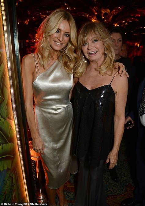 Goldie Hawn, 72, displays her age-defying beauty in ...
