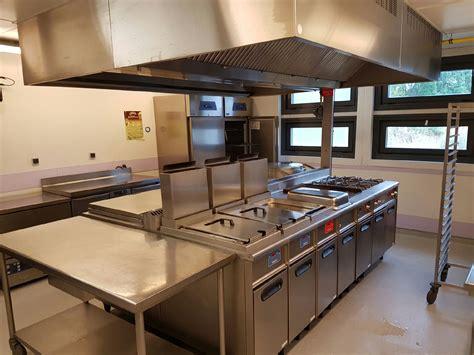 eclairage hotte cuisine professionnelle nettoyage et dégraissage de hotte professionnelle dans une