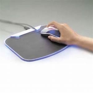 belkin tapis de souris lumineux avec hub 4 ports usb 20 With tapis de souris personnalisé avec canape enceinte integre