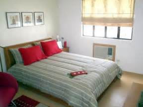 10x10 Bedroom Layout by Small Bedroom Design Home Decorating Ideas