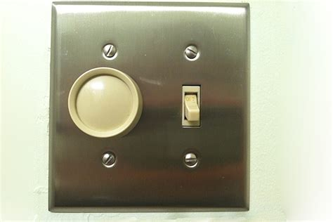 how to fix a light switch how to repair a light switch replacing light switches