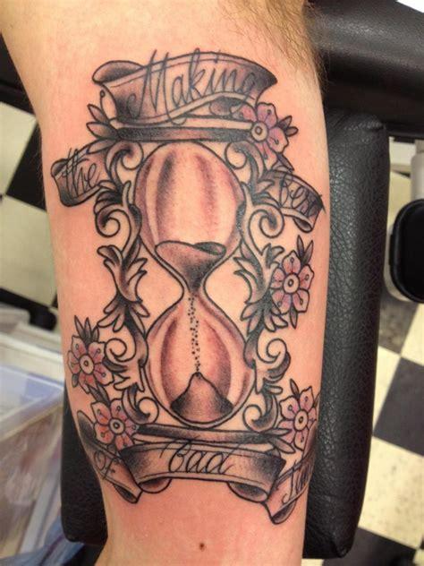 hourglass tattoos for women best tattoo ideas
