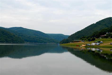 Liqeni i Batllavës   Unë jetoj në Kosovo*