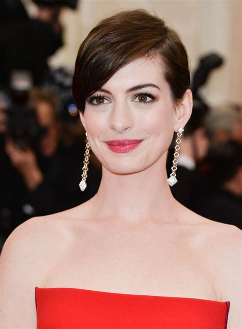 the haircut is something i wanted to do for a long time, and i knew it was something the character did, she said. Chic Celebrity Short Hairstyles for Your New Haircut ...