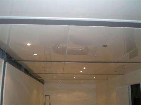 plafond pvc cuisine poser un faux plafond en pvc quuestce qui influe sur les