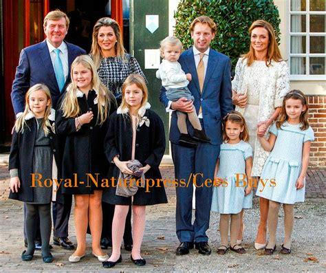 koninklijk huis familie veel leden van de koninklijke familie bij de doop van