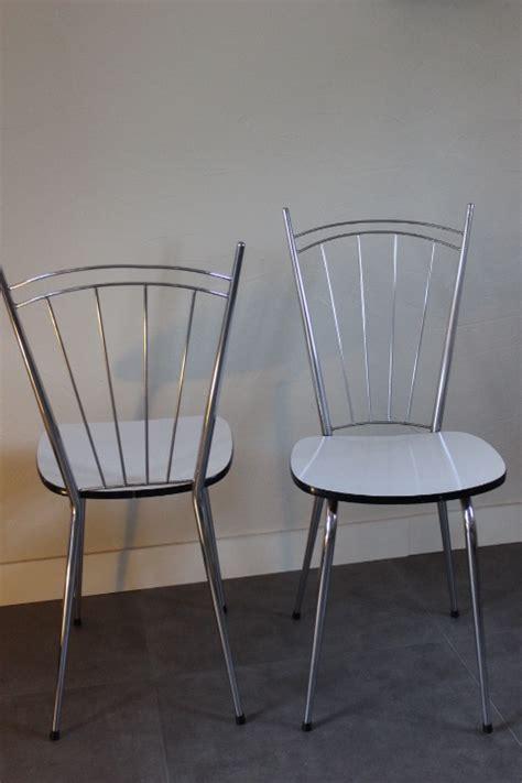 chaises formica chaise formica pied fuseau avec haut dossier à barrettes