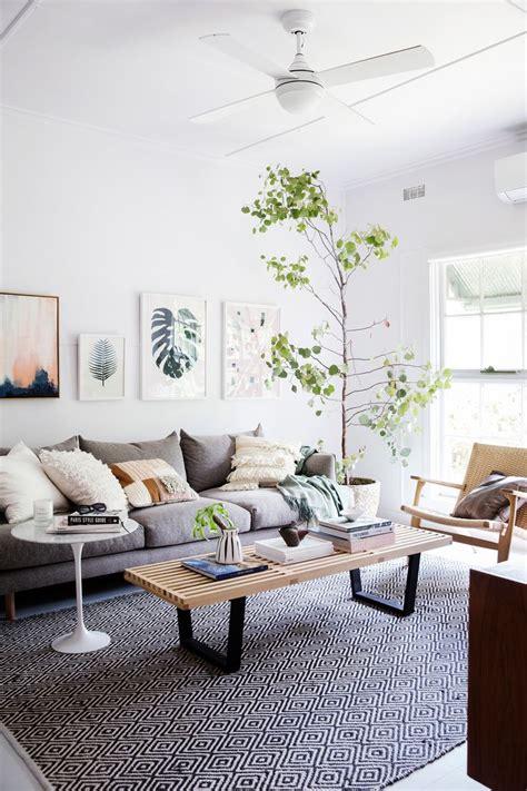 Entspanntes Wohnzimmer Von Der Renovierung Einer