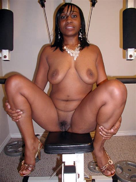 Nasty Ebony Showing Her Hairy Pussy On Chair Hood Tube