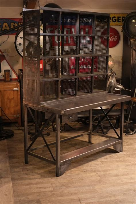 bureau industriel vintage meuble de métier ancien bureau de tri postal deco loft