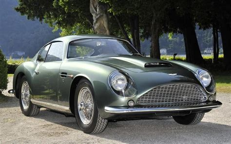Top 20 Greatest Classic Cars
