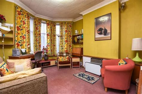 Retro styled 1970s house has avocado paint job and ceiling