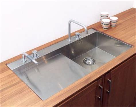 nettoyage de hotte de cuisine comment nettoyer un évier en inox viadom chez vous