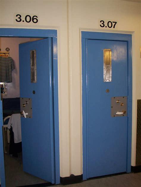 HMYOI Polmont cells | BBC World Service | Flickr