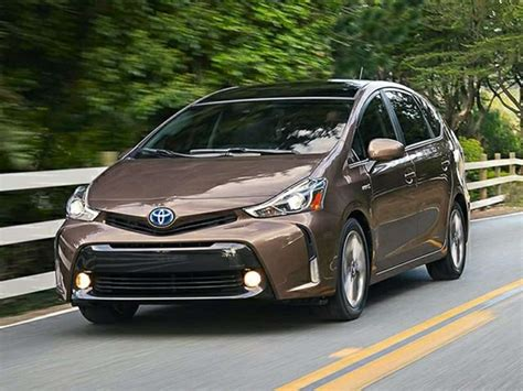 Cars That Get 30 Mpg by 10 Toyotas That Get 30 Mpg Or A Whole Lot More Autobytel