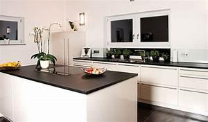 Granit Arbeitsplatte Küche Preis : k chendesign mit naturstein ~ Markanthonyermac.com Haus und Dekorationen