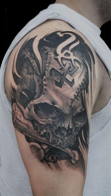 amazing shoulder  sleeve tattoos