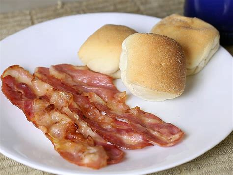 cuisiner du chevreuil au four comment cuisiner du bacon au four 12 é