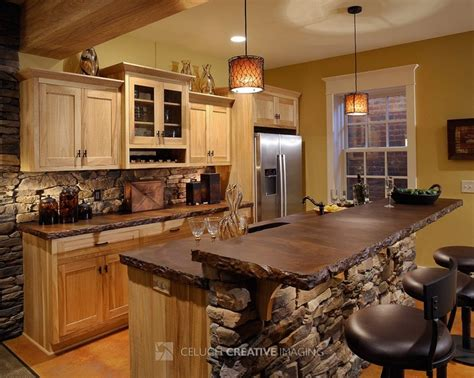 #rustic #kitchen  Love The Stone Facing And Rigid Counter