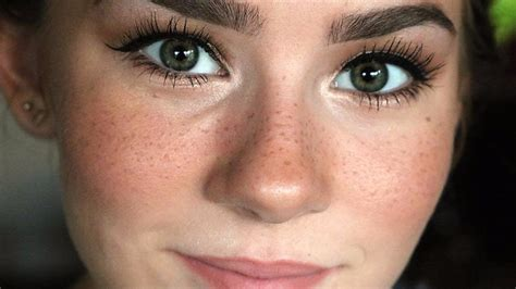 People Are Getting Permanent Freckle Tattoos To Look Younger