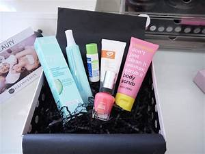 Beauty  U0026 Le Chic  What U0026 39 S In The Box  Uk Glossybox October 2012
