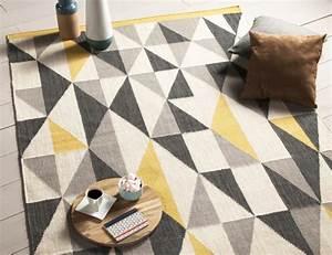 la deco motif triangle a toujours la cote joli place With tapis scandinave gris